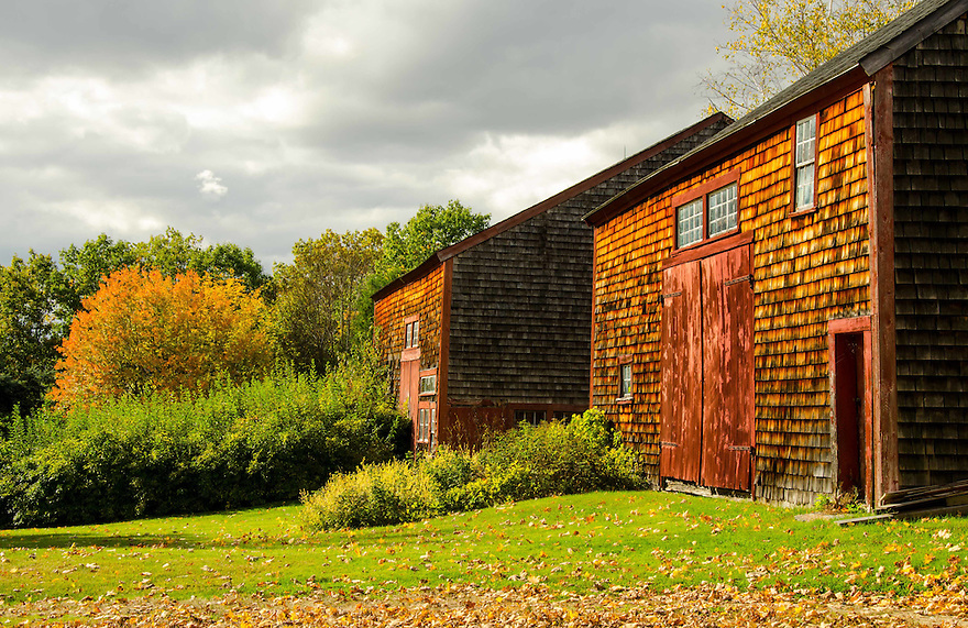 Postcard perfect, a classic New England barn in early autumn.