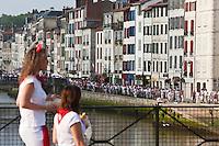 Europe/France/Aquitaine/64/Pyrénées-Atlantiques/Pays-Basque/Bayonne: Fêtes de Bayonne Bords de la Nive- Quai Galuperie