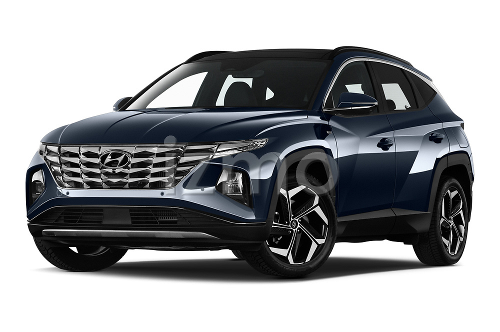 Stock pictures of low aggressive front three quarter view of 2021 Hyundai Tucson Shine 5 Door SUV Low Aggressive