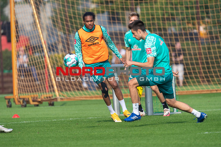 16.09.2020, Trainingsgelaende am wohninvest WESERSTADION - Platz 12, Bremen, GER, 1.FBL, Werder Bremen Training<br /> <br /> <br /> Tahith Chong (Werder Bremen #22)<br /> Stefanos Kapino (Werder Bremen #27)<br /> Johannes Eggestein (Werder Bremen #24)<br /> <br /> <br /> Foto © nordphoto / Kokenge