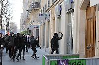 ECHAUFFOUREE AVEC LA POLICE ET DES CASSEURS LORS DE LA MANIFESTATION DES ETUDIANTS CONTRE LA LOI 'EL LOHMRI'