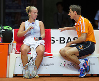 Arena Loire,  Trélazé,  France, 16 April, 2016, Semifinal FedCup, France-Netherlands, Second match: Richel Hogenkamp (NED) on the bench with captain Paul Haarhuis<br /> Photo: Henk Koster/Tennisimages