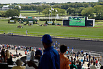 ARLINGTON HEIGHTS, IL - AUGUST 12: Fans watch the fourth race of the day on Arlington Million Day at Arlington Park on August 12, 2017 in Arlington Heights, Illinois. (Photo by Jon Durr/Eclipse Sportswire/Getty Images)