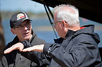 Ray Linn and Mark Tate trade stories.  (5 Litre class hydroplane(s)