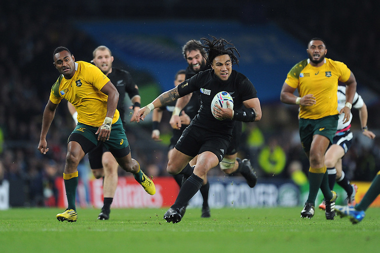 Ma'a Nonu of New Zealand finds space to score a try during the Rugby World Cup Final between New Zealand and Australia - 31/10/2015 - Twickenham Stadium, London<br /> Mandatory Credit: Rob Munro/Stewart Communications