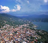 aerial photograph of Valle de Bravo and Lake Avandaro, Mexico near Mexico City | fotografía aérea del Valle de Bravo y el Lago Avandaro, México, cerca de la Ciudad de México