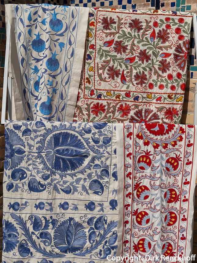 Decken, Souvenirs am Registan, Samarkand, Usbekistan, Asien<br /> blankets, , Souvenir at Registan, Samarkand, Uzbekistan, Asia