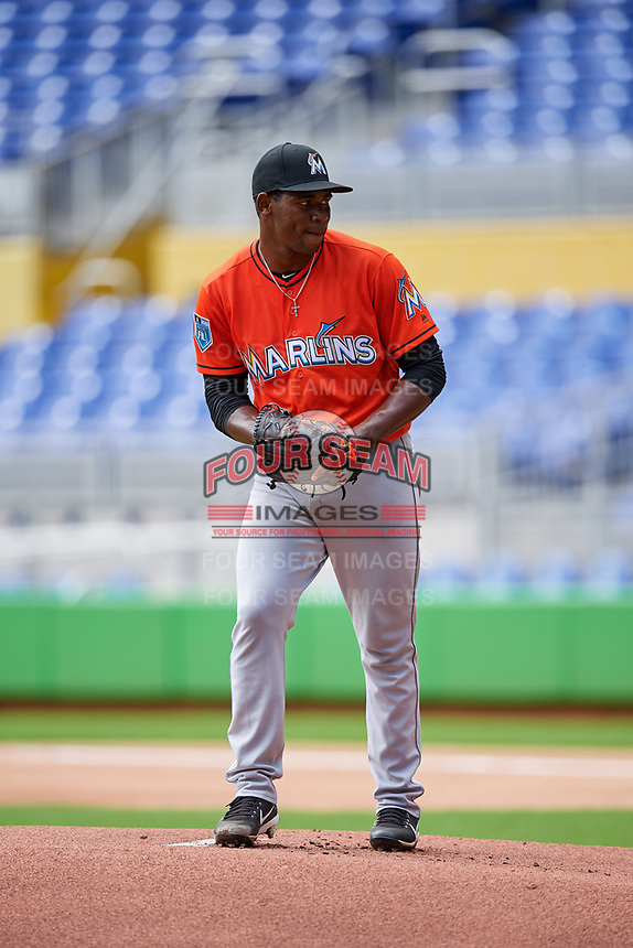 Miami Marlins Jorge Guzman (35) gets ready to deliver a pitch during a Florida Instructional League game against the Washington Nationals on September 26, 2018 at the Marlins Park in Miami, Florida.  (Mike Janes/Four Seam Images)