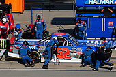 #52: Stewart Friesen, Halmar Friesen Racing, Toyota Tundra Halmar Racing To Beat Hunger pit stop