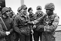 - NATO exercises in Italy, joint training of Italian Army and U.S. Army soldiers (November 1984)....- esercitazioni NATO in italia, addestramento congiunto di militari dell'Esercito Italiano e dell'US Army (novembre 1984)