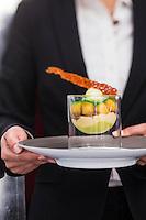 Europe/France/Auvergne/63/Puy de Dome/Clermont-Ferrand: Service des desserts-recette d' Arkadiusz Zuchmanski- Restaurant: Apicius,