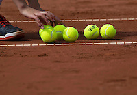 The Hague, Netherlands, 26 July, 2016, Tennis,  The Hague Open , New balls<br /> Photo: Henk Koster/tennisimages.com
