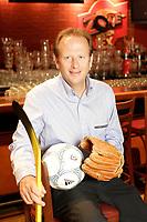 """september 8, 2006 File Photo -<br /> <br /> Jean B»dard,<br /> President et chef de la direction Ò Groupe Sportscene inc.<br /> <br /> Groupe Sportscene inc. (TSX ; symbole SPS.A<br /> )  exploite depuis 1984 la premiÀre cha""""ne de resto-bars dÌambiance sportive au Qu»bec : La Cage aux Sports. Ax»e sur le concept ¥ Sport, Gang, Fun ™, La Cage aux Sports est implant»e ? la grandeur du Qu»bec o? elle compte 46 »tablissements, lesquels accueillent chaque ann»e prÀs de six millions de consommateurs. Ce r»seau, qui jouit dÌune forte image de marque, comprend 31 Cages que la Soci»t» gÀre en propri»t» exclusive ou en coentreprise, ainsi que 15 franchises. Employant au total environ 2 000 personnes dans les restaurants et au siÀge social, La Cage aux Sports base son succÀs commercial et financier sur trois principaux volets : une qualit» de restauration comparable aux meilleures cha""""nes de sa cat»gorie, un marketing hors pair, ax» sur la promotion dynamique de sa marque de commerce et une gestion op»rationnelle parmi les plus efficaces de lÌindustrie. En appui ? la promotion de sa marque de commerce, la Soci»t» exerce »galement certaines activit»s compl»mentaires gravitant autour dÌ»v»nements ? caractÀre sportif.<br /> <br /> <br /> photo : c)  Images Distribution"""