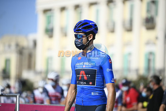 Maglia Azzurra Filippo Ganna (ITA) Ineos Grenadiers at sign on before the start of Stage 8 of the 103rd edition of the Giro d'Italia 2020 running 200km from Giovinazzo to Vieste, Sicily, Italy. 10th October 2020.  <br /> Picture: LaPresse/Marco Alpozzi | Cyclefile<br /> <br /> All photos usage must carry mandatory copyright credit (© Cyclefile | LaPresse/Marco Alpozzi)