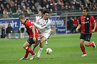 Luca Toni (Bayern) gegen Marco Russ (Eintracht)<br /> Eintracht Frankfurt vs. FC Bayern Muenchen, Commerzbank Arena<br /> *** Local Caption *** Foto ist honorarpflichtig! zzgl. gesetzl. MwSt. Auf Anfrage in hoeherer Qualitaet/Aufloesung. Belegexemplar an: Marc Schueler, Am Ziegelfalltor 4, 64625 Bensheim, Tel. +49 (0) 6251 86 96 134, www.gameday-mediaservices.de. Email: marc.schueler@gameday-mediaservices.de, Bankverbindung: Volksbank Bergstrasse, Kto.: 151297, BLZ: 50960101