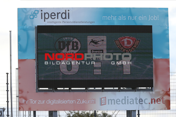 17.10.2020, Dietmar-Scholze-Stadion an der Lohmuehle, Luebeck, GER, 3. Liga, VfB Luebeck vs SG Dynamo Dresden <br /> <br /> im Bild / picture shows <br /> Endstand 0:1 im Spiel VfB Lübeck/Luebeck gegen SG Dynamo Dresden<br /> <br /> DFB REGULATIONS PROHIBIT ANY USE OF PHOTOGRAPHS AS IMAGE SEQUENCES AND/OR QUASI-VIDEO.<br /> <br /> Foto © nordphoto / Tauchnitz