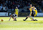 Dundee v St Johnstone…21.04.18…  Dens Park    SPFL<br />Steven MacLean scores his goal<br />Picture by Graeme Hart. <br />Copyright Perthshire Picture Agency<br />Tel: 01738 623350  Mobile: 07990 594431