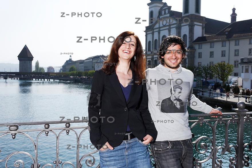 v.l.n.r. Portrait von Ylfete Fanaj ist Praesidentin der Secondos Plus Schweiz / SP und Hasan Candan / JUSO Kanton Luzern am 16. April 2011 auf der Reussbruecke in der Stadt Luzern..Copyright © Zvonimir Pisonic