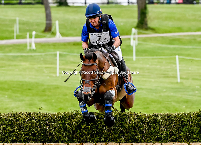 April 24, 2021: Phillip Dutton competes in the Cross Country phase of the Land Rover 5* 3-Day Event aboard Fernhill Singapore at the Kentucky Horse Park in Lexington, Kentucky. Scott Serio/Eclipse Sportswire/CSM