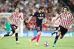 Athletic de Bilbao's Aymeric Laporte (l) and Ander Iturraspe (r) and FC Barcelona's Sergi Roberto during La Liga match. August 28,2016. (ALTERPHOTOS/Acero)