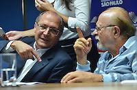 SAO PAULO, SP, 17 DE JANEIRO DE 2013. - ALCKMIN LEI DETRAN -  O governador Geraldo Alckmin (E) e o vice Alberto Goldman (D) durante solenidade onde o governador sancionou a lei que transforma o Departamento Estadual de Trânsito de São Paulo (Detran.SP) em autarquia, na sede administrativa do Detran, regiao central da capital, na tarde desta quinta feira, 17.  (FOTO: ALEXANDRE MOREIRA / BRAZIL PHOTO PRESS).