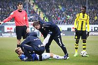 Wadenkrampf bei Fabian Holland (SV Darmstadt 98),  -  11.02.2017: SV Darmstadt 98 vs. Borussia Dortmund, Johnny Heimes Stadion am Boellenfalltor