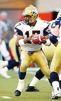 Khari Jones Winnipeg Blue Bombers quarterback 2003. Copyright photograph Scott Grant