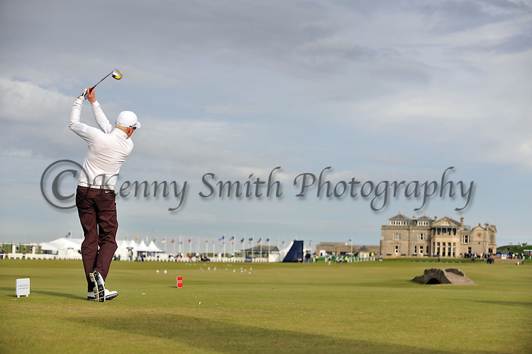 Pic Kenny Smith............. 05/10/2009.Dunhill Links Championship, St Andrews Links final day, Simon Dyson tees off on the 18th on his way to winning the championship