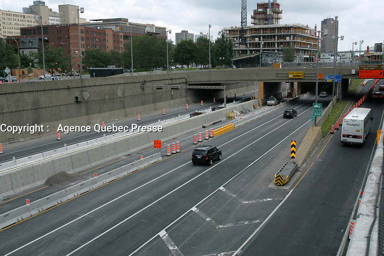 Montreal (Qc) CANADA - August 7 2011 File Photo -  Highway 720 reopen after the crash of a concrete paralume.