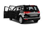 Car images of 2016 Volkswagen Touran Highline 5 Door Mini Mpv Doors