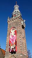 Afbeelding van Sinterklaas op een toren in Monnickendam