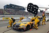#20: Erik Jones, Joe Gibbs Racing, Toyota Camry DeWalt