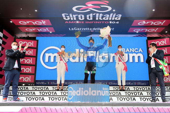 Vincenzo Albanese (ITA) Eolo-Kometa Cycling Team wears the mountains Maglia Azzurra of the 2021 Giro d'Italia, running 179km from Stupinigi (Nichelino) to Novara, Italy. 9th May 2021.  <br /> Picture: LaPresse/Gian Mattia D'Alberto | Cyclefile<br /> <br /> All photos usage must carry mandatory copyright credit (© Cyclefile | LaPresse/Gian Mattia D'Alberto)