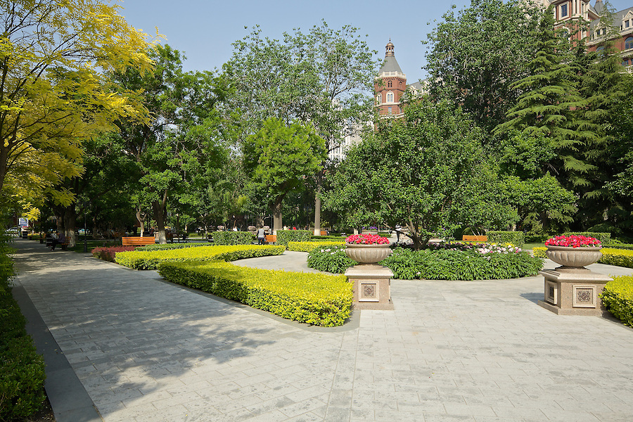 Spring In Victoria Park, Opposite The Astor Hotel, Tianjin (Tientsin).  Prior To 1949, There Was A Cenotaph Where The Tree Now Resides, Centre Right.