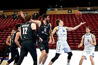 11-02-2021: Basketbal: Donar Groningen v Apollo Amsterdam: Groningen  Apollo speler Floris Versteeg in duel met Donar speler Willem Brandwijk