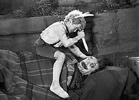 Деловые люди - вождь краснокожих (1963)
