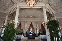 Europe/France/Aquitaine/64/Pyrénées-Atlantiques/Biarritz :l' Hotel du Palais -  Salle du Restaurant : La Villa Eugénie et la Rotonde - détail du plafond