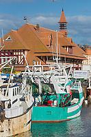 France, Calvados (14), Côte Fleurie,  Trouville, le port de pêche et le marché aux poissons // France, Calvados, Côte Fleurie, Trouville, harbour and fishmarket