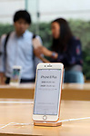 September 22, 2017, Tokyo, Japan - Apple's new iPhone 8 Plus is displayed at an Apple store in Tokyo on Friday, September 22, 2017. The new iPhone 8 and 8 Plus featuring wireless battery charging are launched in Japanese market.    (Photo by Yoshio Tsunoda/AFLO) LWX -ytd-