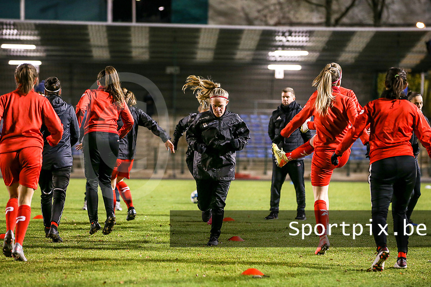 Woluwe players warm up before a female soccer game between FC Femina White Star Woluwe and Club Brugge YLA on the eleventh matchday of the 2020 - 2021 season of Belgian Scooore Womens Super League , Friday 22 January 2021  in Woluwe , Belgium . PHOTO SPORTPIX.BE | SPP | SEVIL OKTEM