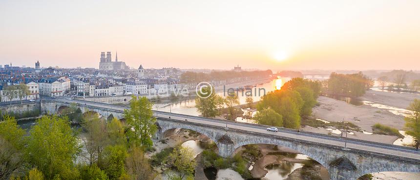 France, Loiret, Loire Valley listed as World Heritage by UNESCO, Orleans, (aerial view) // France, Loiret (45), Val de Loire classé Patrimoine Mondial de l'UNESCO, Orléans, ville et pont sur la Loire (vue aérienne)