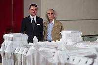 """Zum 20. Jahrestag des """"Verhuellten Reichstags"""" empfing Bundestagspraesident Norbert Lammert den Kuenstler Christo, auf dessen Initiative der Reichstag am 24. Juni 1995 das Kunstprojekt stattfand.<br /> Die Kuenstler Christo und seine 2009 verstorbene Ehefrau Jeanne-Claude hatten seit 1971 fuer ihr Projekt geworben, bis der Bundestag ihm einer namentlichen Abstimmung am 25. Februar 1994 endlich zustimmte. Ein Jahr spaeter, vom 24. Juni bis 7. Juli 1995, wurde das Reichstagsgebaeude verhuellt.<br /> Die Ausstellungsstuecke, welche die Geschichte des Projektes zeigen, wurden von dem  Unternehmer Lars Windhorst erworben und dem Bundestag fuer die Dauer von zunaechst 20 Jahren kostenlos zur Verfuegung stellt.<br /> Vlnr.: Lars Windhorst, Christo.<br /> 17.6.2015, Berlin<br /> Copyright: Christian-Ditsch.de<br /> [Inhaltsveraendernde Manipulation des Fotos nur nach ausdruecklicher Genehmigung des Fotografen. Vereinbarungen ueber Abtretung von Persoenlichkeitsrechten/Model Release der abgebildeten Person/Personen liegen nicht vor. NO MODEL RELEASE! Nur fuer Redaktionelle Zwecke. Don't publish without copyright Christian-Ditsch.de, Veroeffentlichung nur mit Fotografennennung, sowie gegen Honorar, MwSt. und Beleg. Konto: I N G - D i B a, IBAN DE58500105175400192269, BIC INGDDEFFXXX, Kontakt: post@christian-ditsch.de<br /> Bei der Bearbeitung der Dateiinformationen darf die Urheberkennzeichnung in den EXIF- und  IPTC-Daten nicht entfernt werden, diese sind in digitalen Medien nach §95c UrhG rechtlich geschuetzt. Der Urhebervermerk wird gemaess §13 UrhG verlangt.]"""
