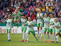 Football, Koeln, Germany , DFB-Pokalfinale wifeen,, <br />VFL Wolfsburg (WOB ) vs. FC Bayern M Muenchen 3-2 n.E.  Rhein-Energie stadium  in Koeln19. 05. 2018<br />Isabel KERSCHOWSKI (VFL),Zsanett JAKABFI (VFL), Ella MASAR (VFL), Noelle MARITZ (VFL), Joelle  WEDEMEYER (VFL) ,Caroline GRAHAM HANSEN (VFL), Sara Bjšrk GUNNARSDOTTIR (VFL),Pernille HADER (VFL), *** Local Caption *** © pixathlon<br /> Contact: +49-40-22 63 02 60 , info@pixathlon.de