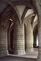 Europe/France/Normandie/Basse-Normandie/50/Manche/Mont Saint-Michel: La crypte des gros piliers