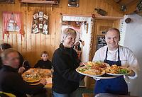 """Europe/France/Rhone-Alpes/73/Savoie/Saint-Martin-de-Belleville: Restaurant d'Altitude """"Le Corbeleys"""" Martine Bal et Bruno Suchet"""