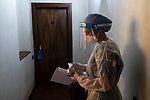 Emergenza Coronavirus Antico Borgo La Muratella una dottoressa si prepara ad entrare in una stanza dove vive in isolamento un paziente affetto da Covid19 cronaca Cologno al Serio 20/11/2020 Coronavirus emergency Antico Borgo La Muratella a doctor prepares to enter a room where a patient with Covid19 lives in isolation chronicle Cologno al Serio 20/11/2020