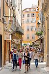 France, Provence-Alpes-Côte d'Azur, Grasse: old town lane   Frankreich, Provence-Alpes-Côte d'Azur, Grasse: Altstadtgasse