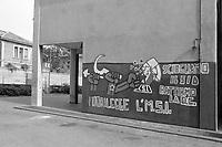 - Milan, mural writings at Umanitaria school (1975) <br /> <br /> - Milano, scritte murali alla scuola Umanitaria (1975)