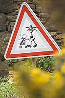 Europe/France/Bretagne/29/Finistère/Lilia:Panneau  de   Signalisation routière signalant la présence de petits bretons