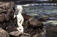 A Hawaiian statue in Pu'uhonua o Honaunau National Historical Park (City of Refuge), Big Island.